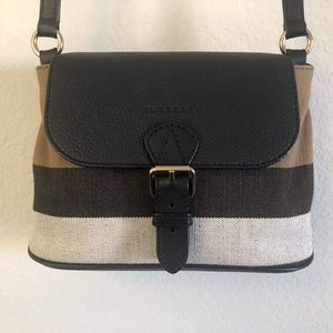 Burberry Crossbody bag like new